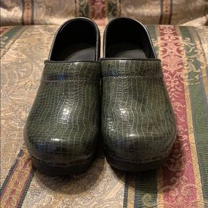 Women's Sanita Clogs Size 35